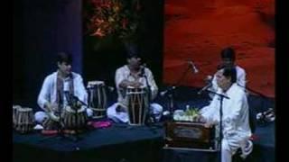 Hoshwalon ko khabar kya .. Jagjit Singh Live.. Gazal-1