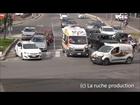 compilazione rianimazione ambulanza e polizia Roma Italia ( UE )