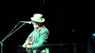 Elvis Costello - Tramp The Dirt Down (Royal Albert Hall)