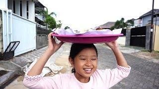 What If Jessica Jenica Jadi Penjual Kue Keliling 💖 Semoga Jualannya laku Aamiin....!!!