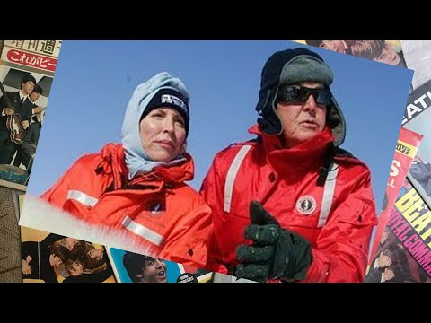 ♫ Paul McCartney and Heather Mills with a baby seal on the ice floes, 2006