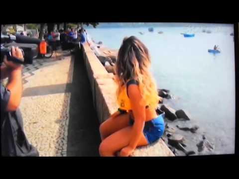 Клип Shakira – La La La (Brazil 2014) ft. Carlinhos Brown