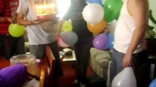 inflando globos 3 prendiendo velas 2