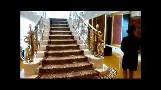 نسخة عن Offers an impressive Burj Al Arab Hotel in Dubai on Christmas