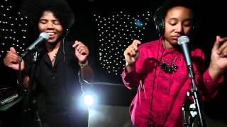 THEESatisfaction - QueenS (Live on KEXP)