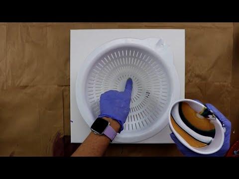 (220) Colander pour with cloud effect