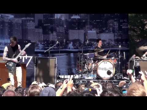 The Devil Wears Prada- Escape- Live in Chicago