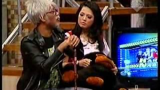 Download Video Kakek Kakek Narsis 7 Okt 2011 (Ada Alan,Jane,Shinta & Tengku) Part 5 MP3 3GP MP4
