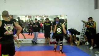 vuclip Exame de Faixa Amarela - Alunas Kelly e Tauani - Mestre Carlão Kickboxing