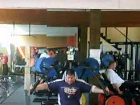 heavy Butterfly, 14 Reps with 180 kg (396 lbs.)