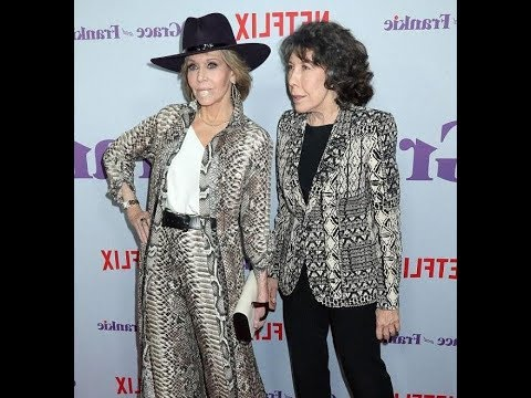 Jane Fonda and Lily Tomlin don strikingly similar patterns