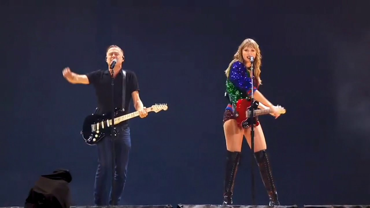 Download Taylor Swift and Bryan Adams Performing Together   Summer of 69   Toronto