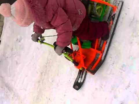 видео: Самодельный снегоход для 3х летней дочке!