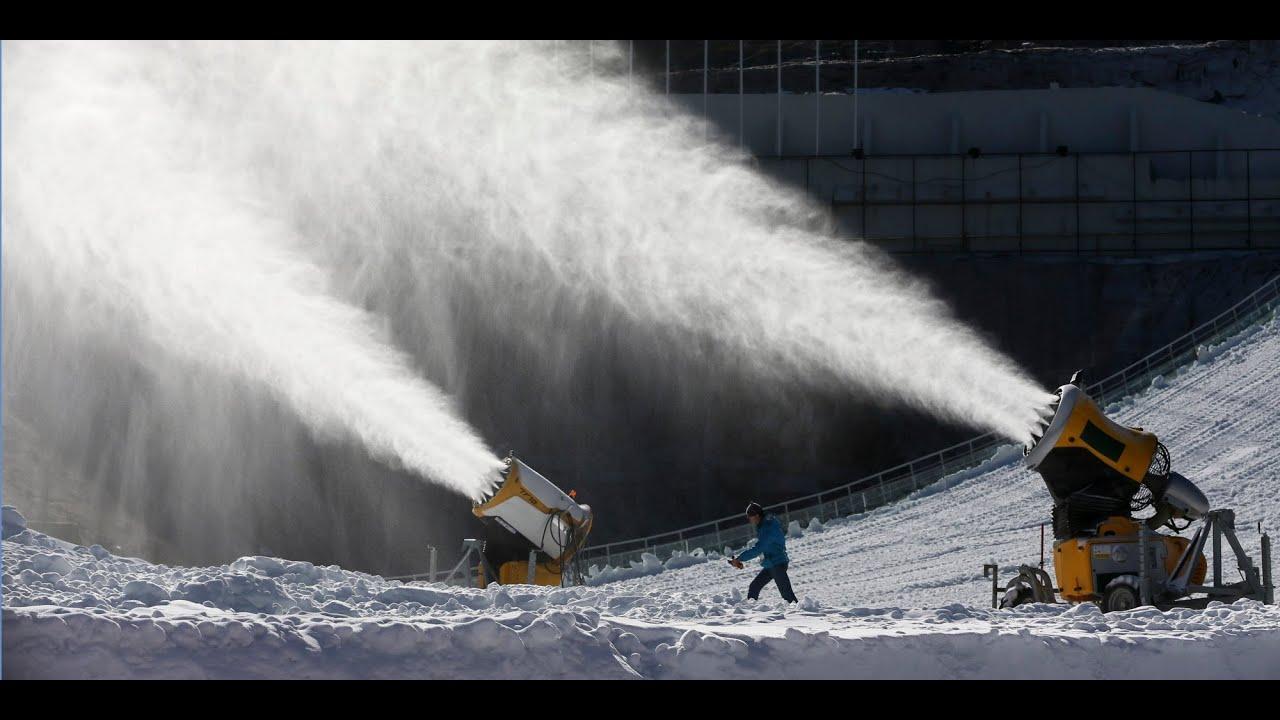 How sochi made football fields worth of fake snow