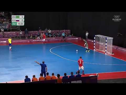 Автогол сборной России в матче с Бразилией, в который невозможно поверить