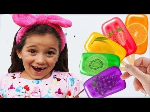 Anna Pretend Play Making Fruit Ice Cream