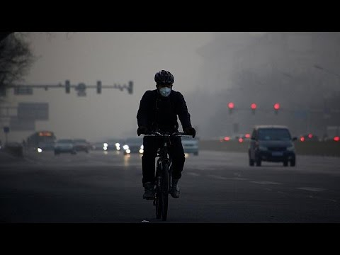 "Heavy smog in Beijing: ""It makes us feel so depressed"""