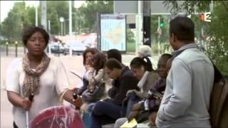 des étranger dans la ville.En France la vie des   Sans papiers..