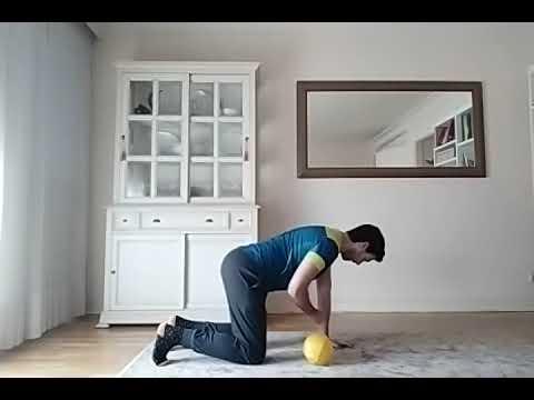 Urnieta 2020 05 15 Pilates baloi txikiarekin