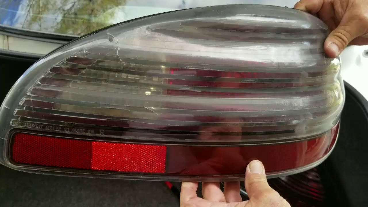 1999 Pontiac Grand Prix Tail Light Replacement