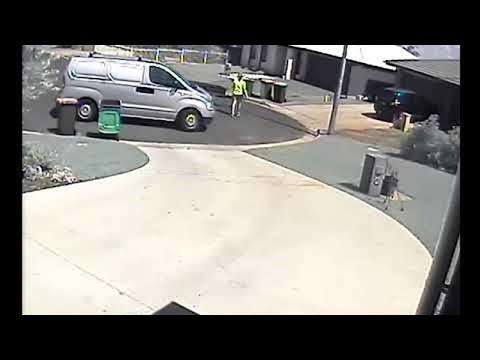 Australian Mail Delivery Fiasco || ViralHog