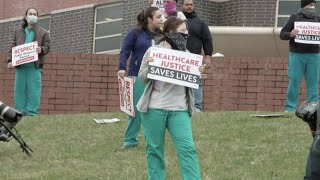 Coronavirus: New York healthcare workers protest working conditions