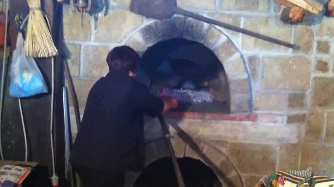 Pane fatto in casa cotto nel forno a legna tour eno - Forno a legna in casa ...