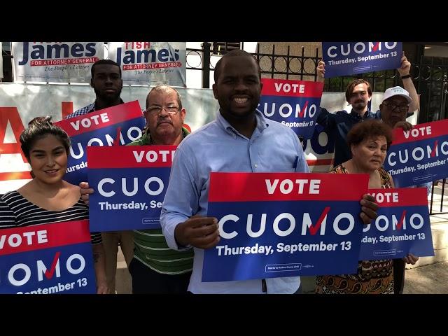 Seguidores del Gobernador Cuomo visitan la vecindad de Inwood en Washington Heights