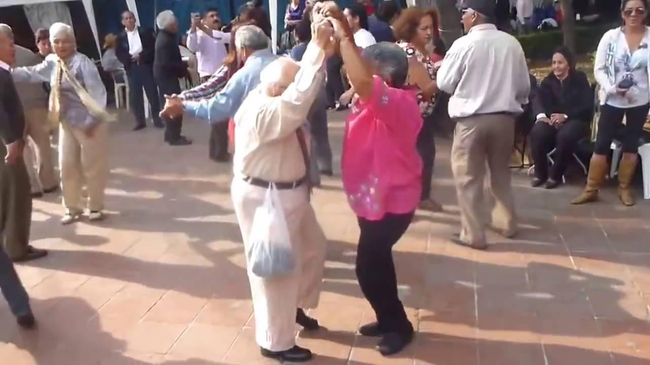 Дед и бабка зажигают клубничка фото 795-171