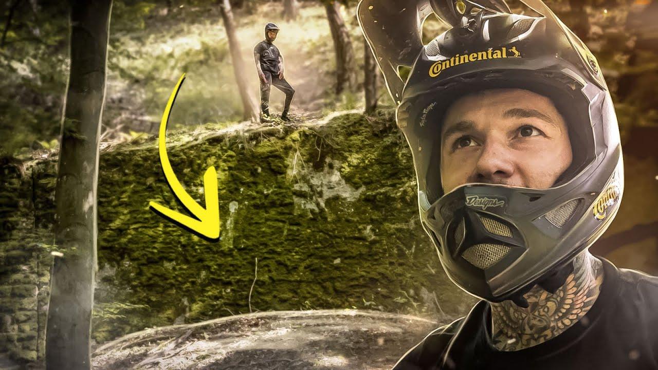 Geheimer Mauer-Drop mitten im Wald & Kameramann riskiert Crash   MTB Downhill mit Canyon Sender