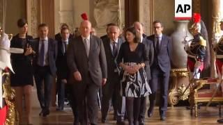 Paris Mayor Welcomes Australian Governor General