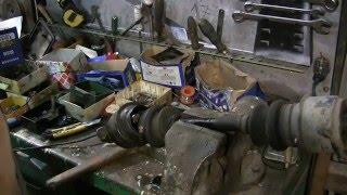 Mercedes restoration w123 видео 89 замена пыльников шрус часть 1