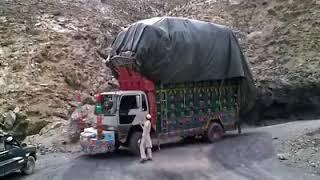 HINO 7D WITH HEAVY LOAD,PAKISTAN