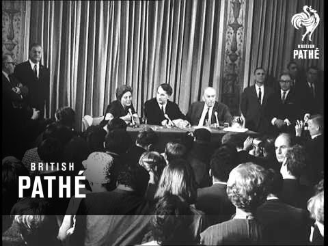 Svetlana Stalin At Press Conference In New York (1967)