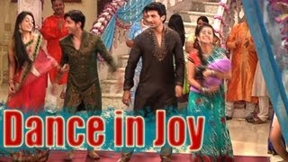 Sasural Simar Ka - Simar and Entire Family Dance in Joy
