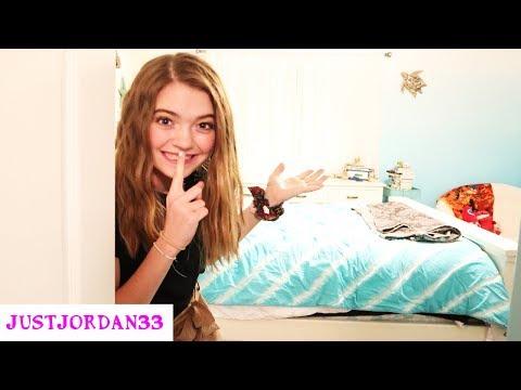 Sneaking Into My Sisters Bedroom READING MY SISTERS DIARY! I JustJordan33