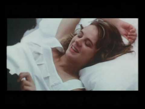"Trailer de ""La ardilla roja"", película de Julio Medem - 1993 from YouTube · Duration:  3 minutes 44 seconds"