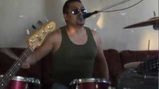 "kidnoise  VIDEO DE PRUEBA .... cancion original ""STRONGER"""