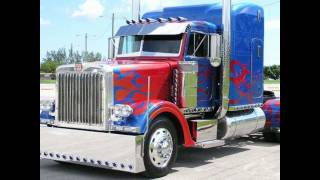 Optimus Prime - Peterbilt Truck