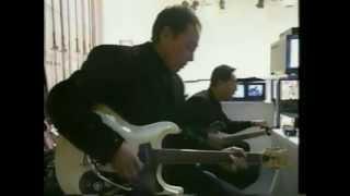 エド山口とモト冬樹による、ギター演奏兄弟対決。 この番組の最大の見せ...