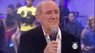 Renato Aragão - o Didi - recebe homenagem do Criança esperança 2015