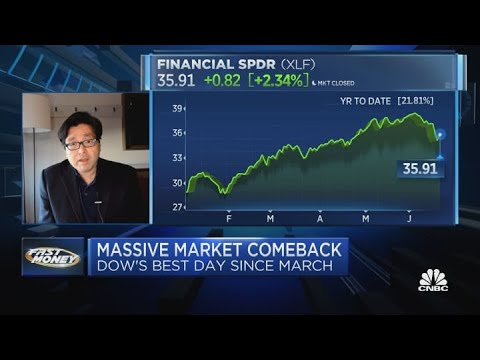 Don't let the Fed affect your 2021 investment decisions, says market bull Tom Lee