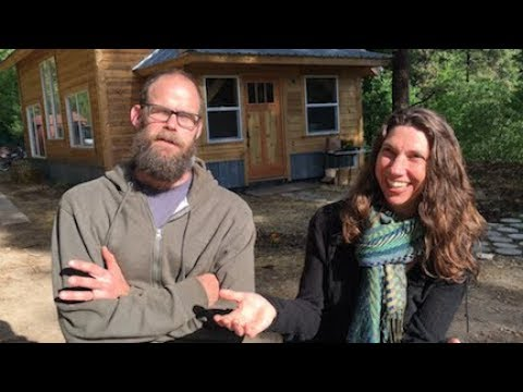 Five Years Off the Grid!! --- and all the other news from the Little House