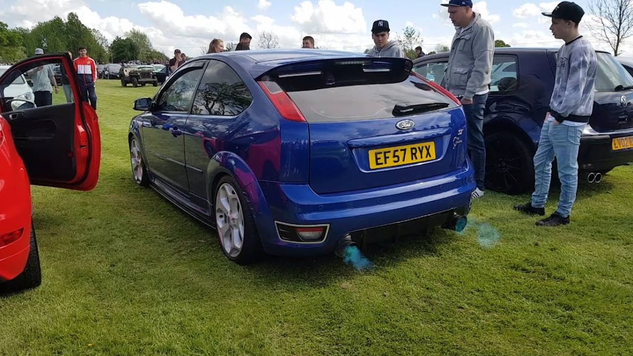 ford focus st mk2 flaming aftermarket exhaust sound crazy. Black Bedroom Furniture Sets. Home Design Ideas