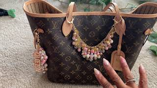 What's In My Bag + Bonus items🌟🌟