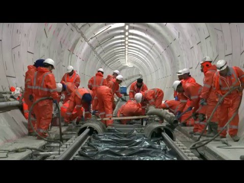 Crossrail Railway Systems: First permanent tracks laid in the Crossrail tunnels