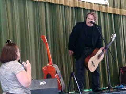 Doyle presents 25 guitars to Hyde Grove Elementary School, Jacksonville, FL (donated by James Burton Foundation)