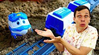 Роботы Поезда в видео онлайн. Кей попал в Аварию! Фёдор чинит Железную Дорогу! Игры для мальчиков.
