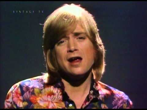 Justin Hayward 'Forever Autumn' (Rare Video)