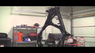 YZ125 Part 22: 2 Stroke Painting the Frame with VHT Roll Bar Paint!